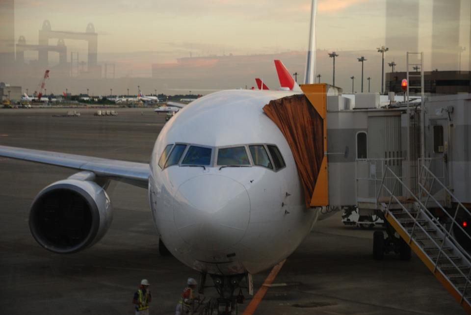airplane-74482_960_720