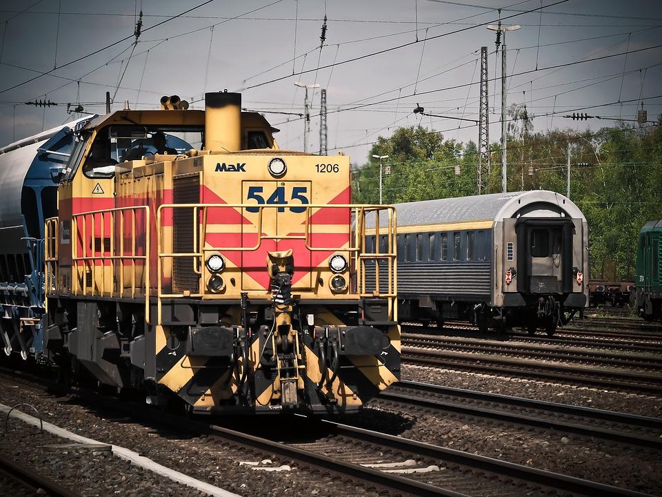 locomotive-1399080_960_720