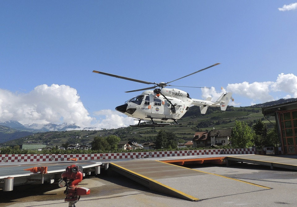 helicopter-337518_960_720