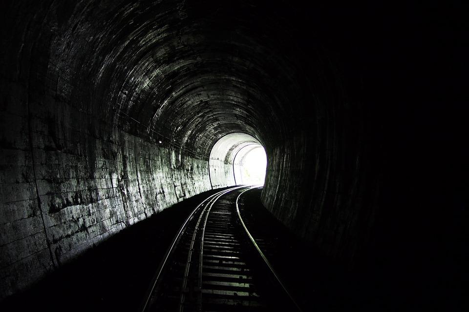 tunnel-518008_960_720