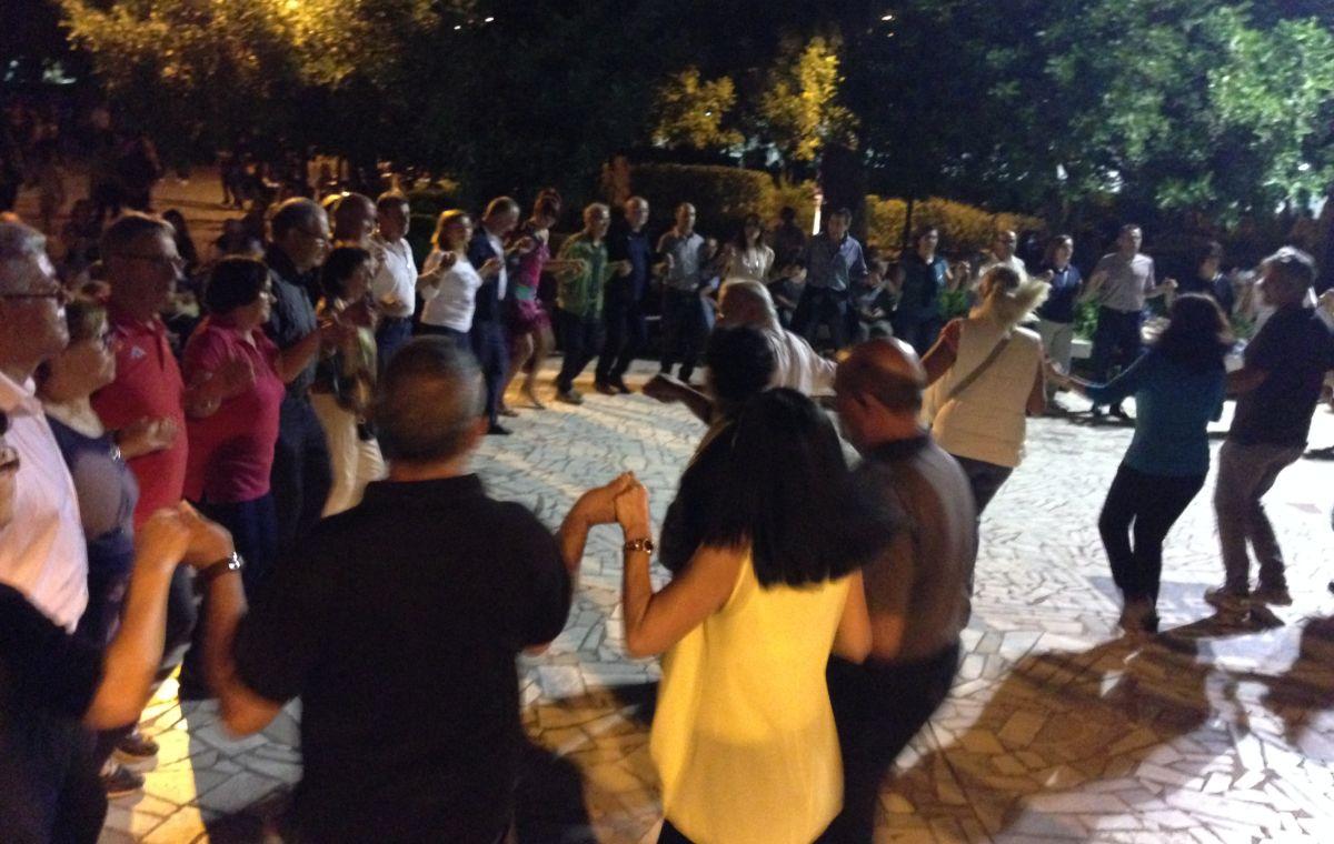 Tańce_na_feście_w_San_Gimiliano