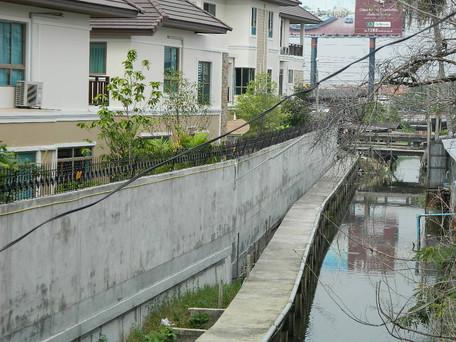 รั้วไฟฟ้ากันขโมยสำหรับโครงการหมู่บ้านและคอนโด