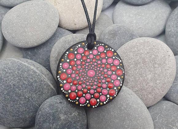 Rouge mandala collier