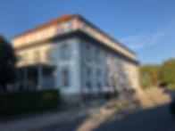 Hôtel_des_Trois-Tours,_Bourguillon.jpg