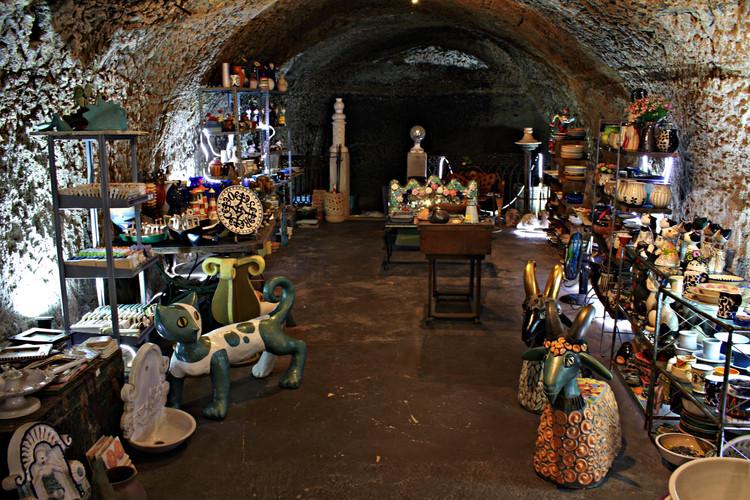 La bottega di ceramica nel centro storico di Capena