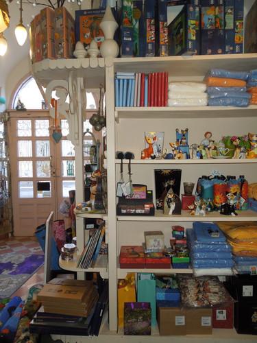 Il nostro magazzino a Capena, un po' un bazar...
