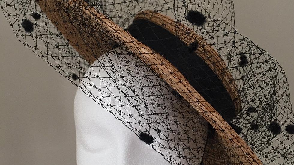 Bergere in Madagascar Raffia Strawbraid, adorned in black, black thread
