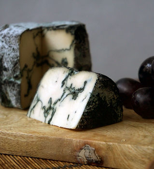 Blue%20veined%20cheese%20with%20ash_edited.jpg