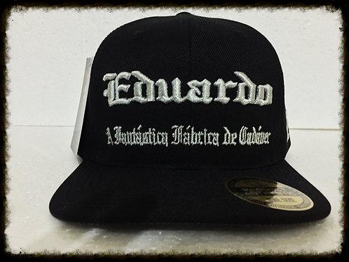 """Boné """"Eduardo Capa CD"""" preto bordado prata"""