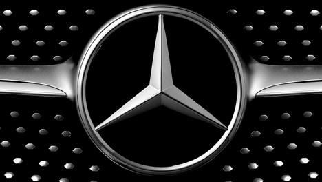 Mercedes moving banner