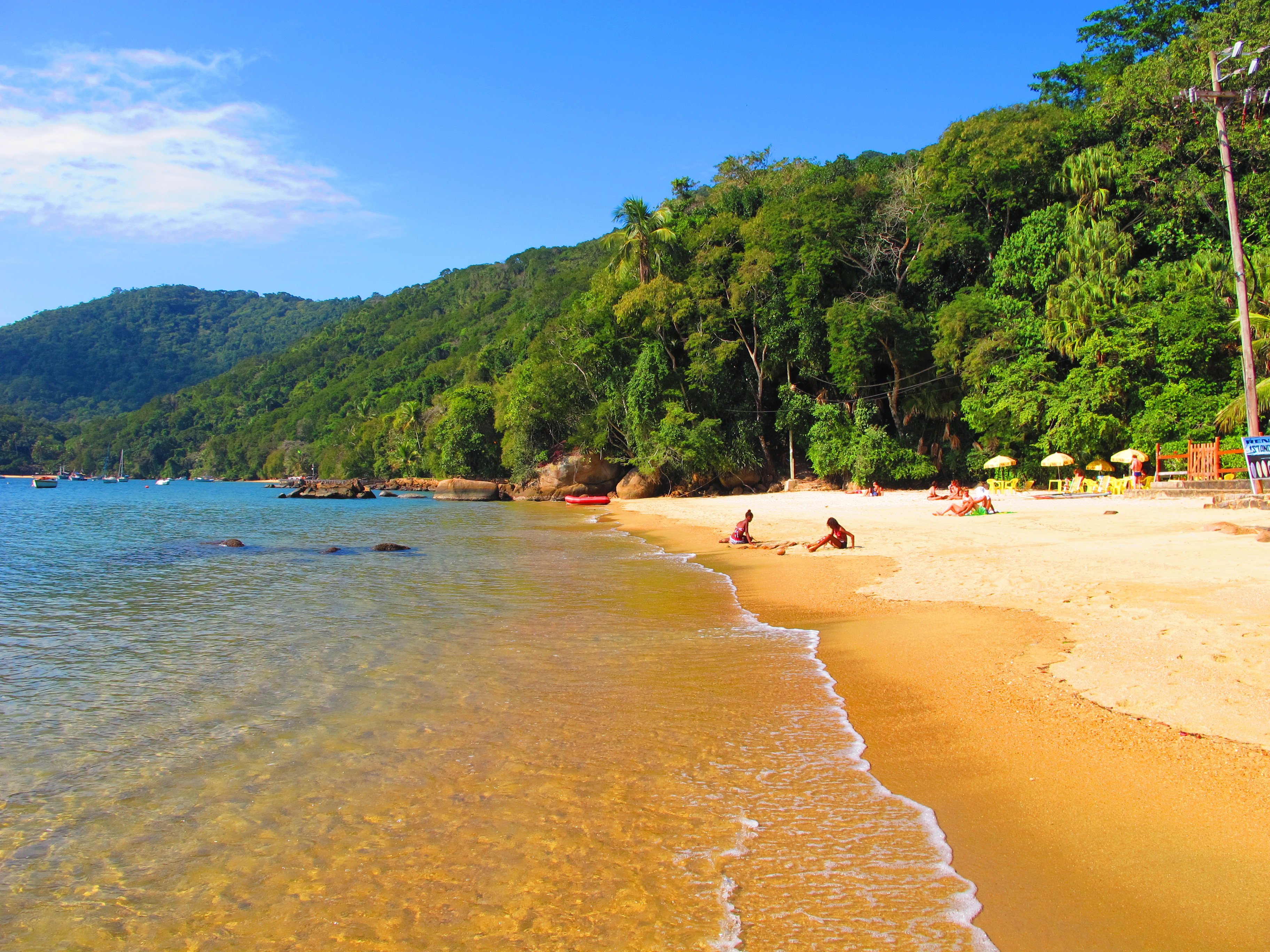 Hiking trails in Ilha grande