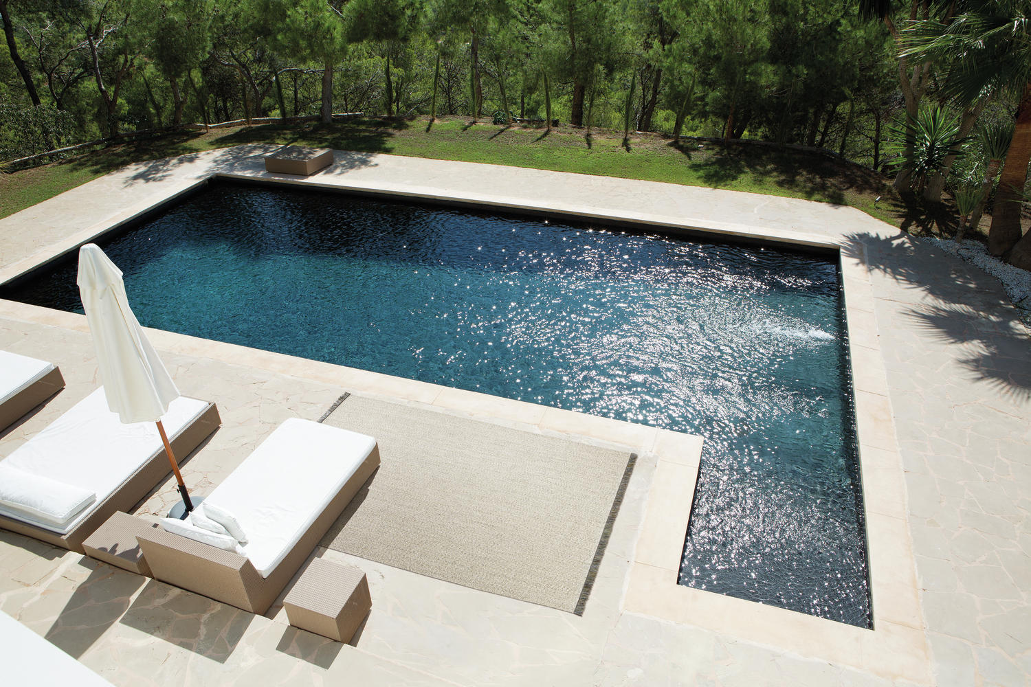 le_sp_oh_poolside_pl12462_stony-ground-2