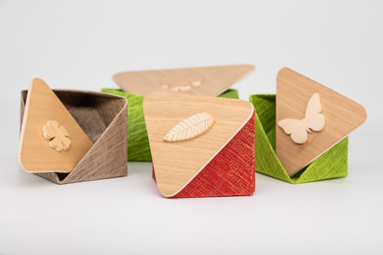 Scatoline in carta wax cotton e legno trilamellare