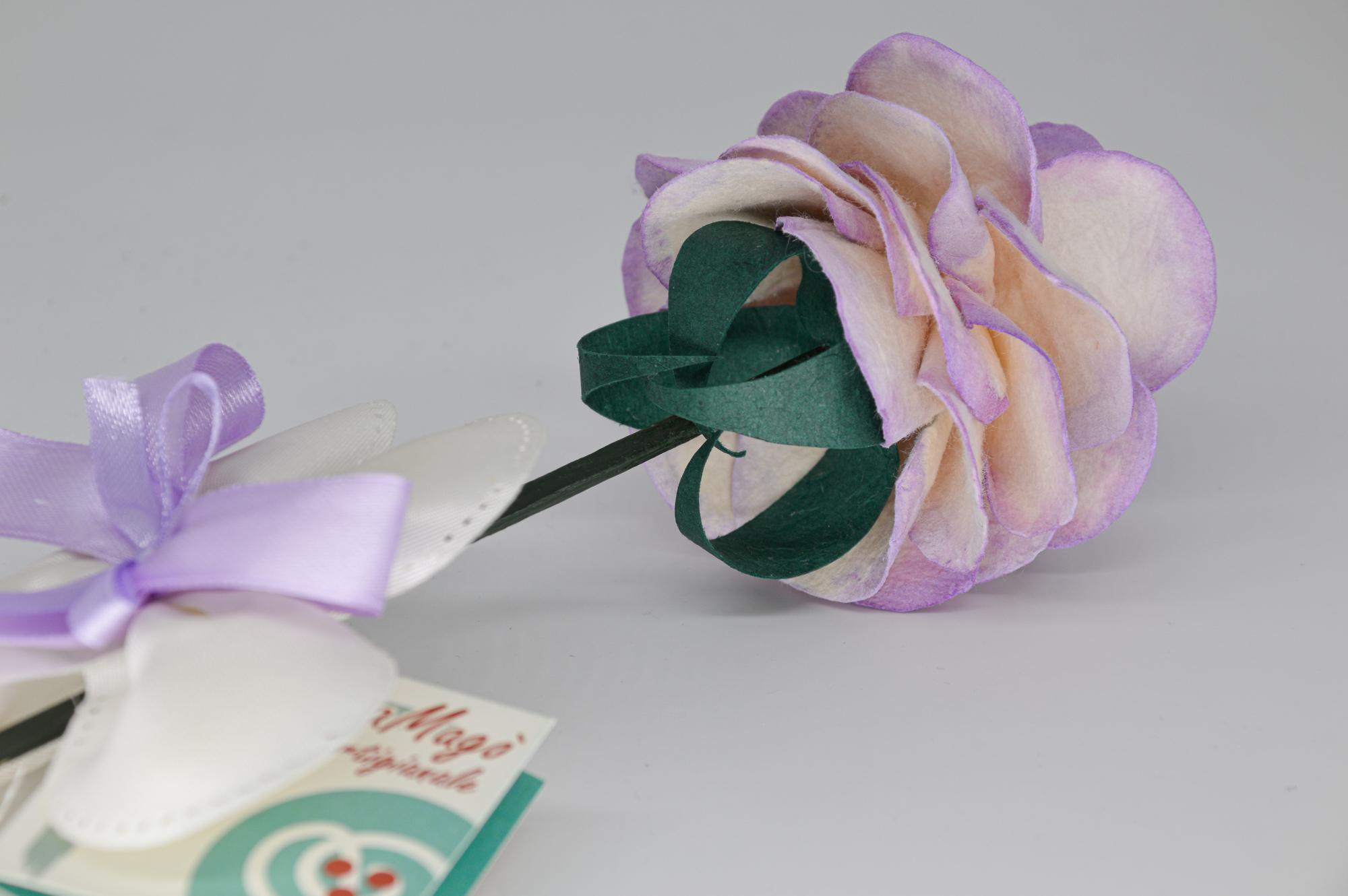 Rosa in carta di gelso