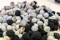 Perle in pelle scamosciata