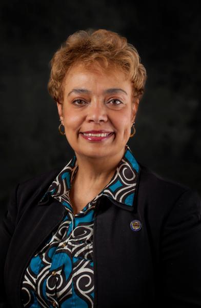 Charleta Tavares