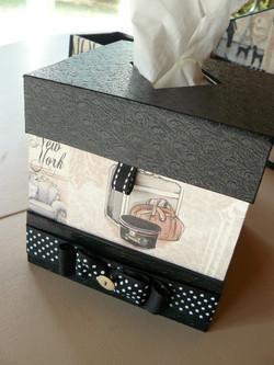 cartonnage boite mouchoirs carrée