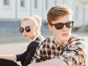 Hoe je de juiste zonnebril kunt kiezen voor je gezichtsvorm