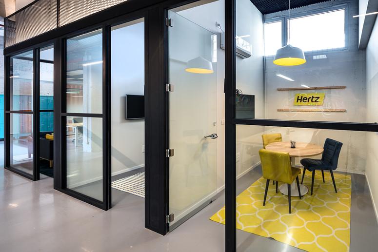 volvo hub small office