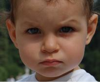 5 consejos para educar a un niño de carácter fuerte ¿Te cuesta educar con alegría? ¿Estás haciendo q