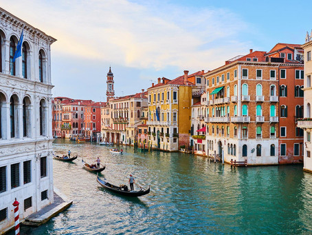 MASKS AND MURANO – A GUIDE TO VENICE