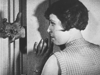 """Resenha do capítulo """"O Cinema Experimental"""" de André Parente"""