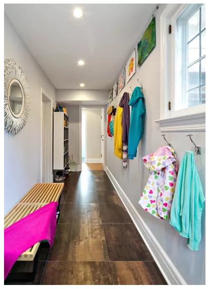 Simple mudroom using hallway space
