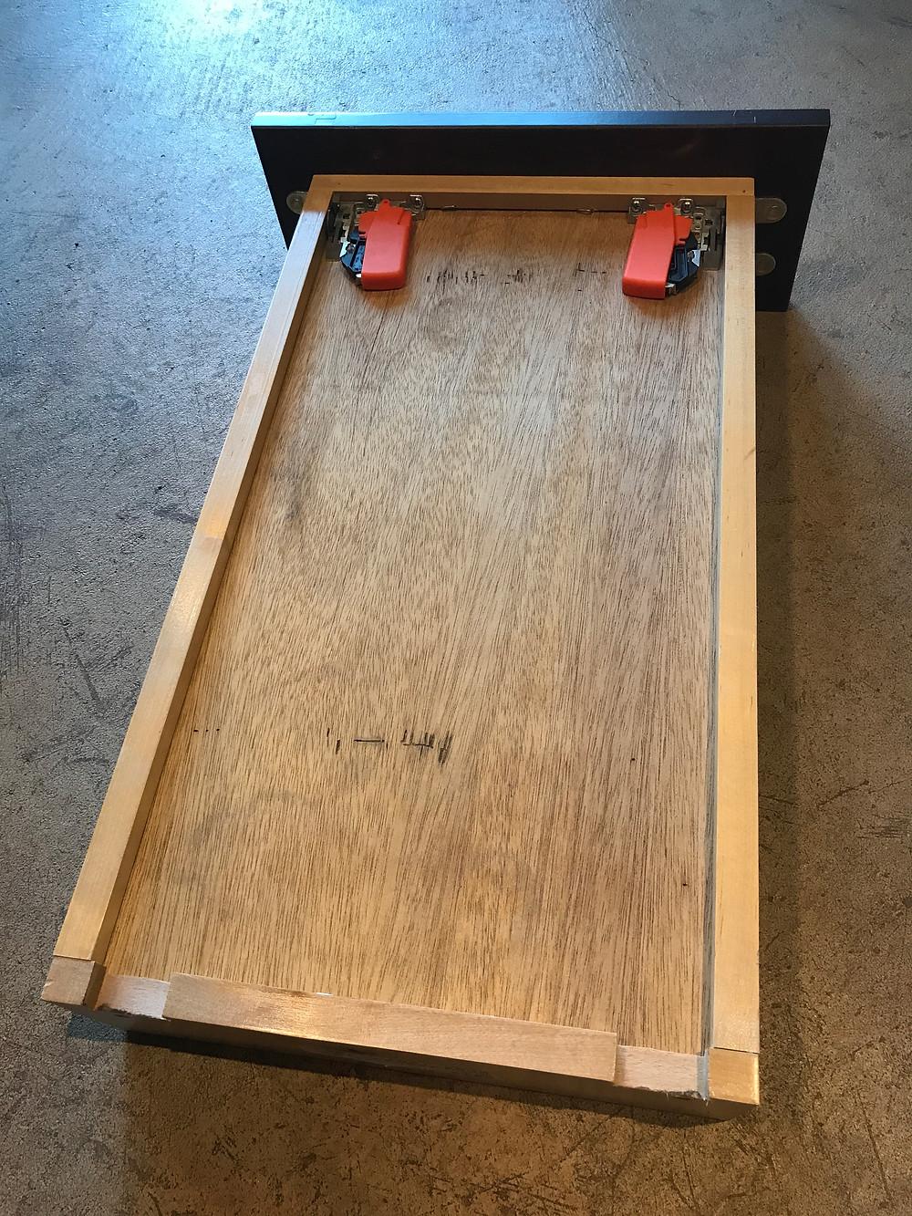 Fully encaptured drawer box bottom