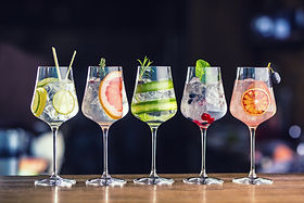 Five colorful gin tonic cocktails in win