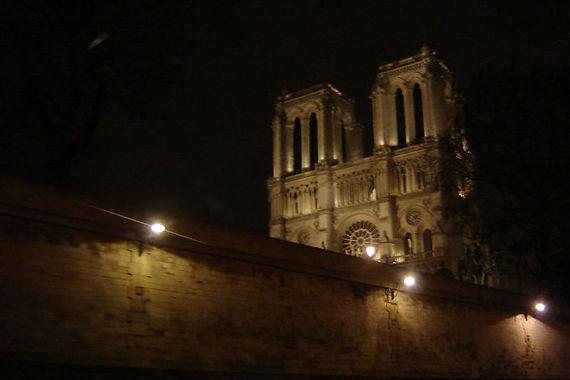 Notre Dame a noite Paris......br....jpg