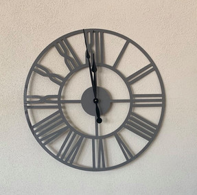 Horloge en acier
