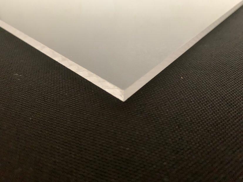 Polycarbonate incolore