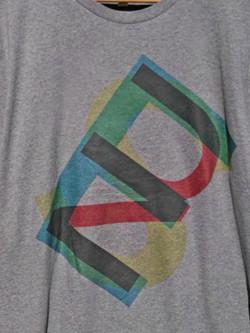 Camiseta-gris-letras-aclarada_edited