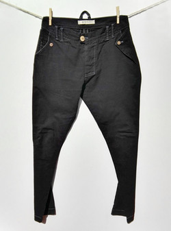 Pantalón Negro frontal