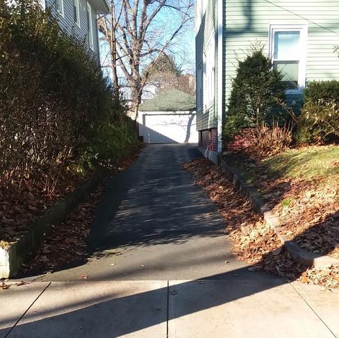 Mira Lebowitz (driveway-before).jpg