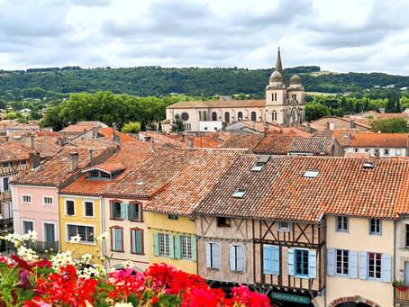 Revèl France - A Market town in the South of France that comes alive on Saturday