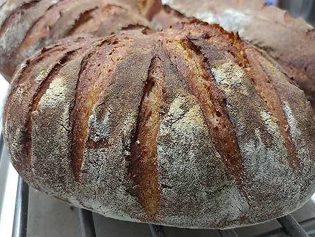 לחם מחמצת שעושים בסדנה