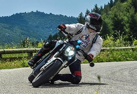 Arsouiller en moto électrique c'est possible ?