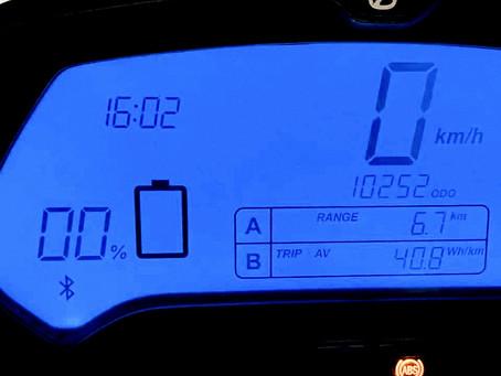 Booster son autonomie en moto électrique