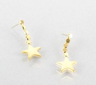 Kitty Earrings in Gold