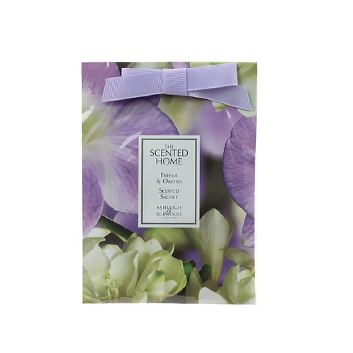 Square sachet with lilac ribbon and flower design