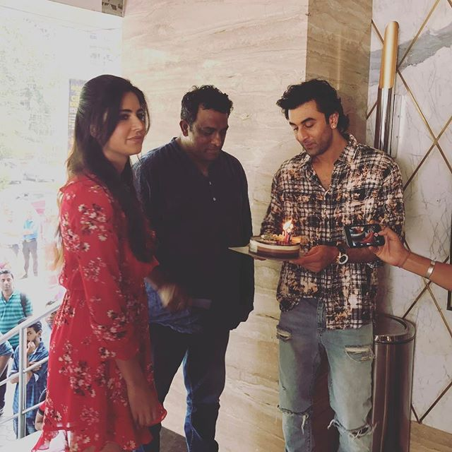 Happy Birthday Dada! Anurag Basu celebrates his birthday on our set with Ranbir and Katrina 😍😍❤️🎂