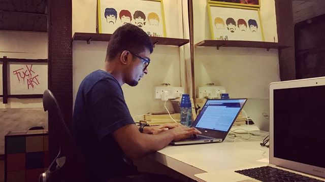 When deadlines chase you! _#timelapse #work #atwork #worklife #deadlines #whatworks #typing #writing