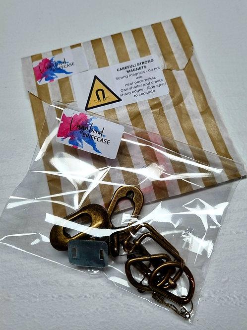 Paper Scissors Story Class - Vagabond Briefcase Hardware Kit