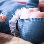 Ropa de bebé tejida, lana y algodón, mamelucos, chambritas y gorritos.