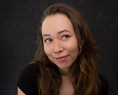 Hannah Lewis Headshot.jpeg