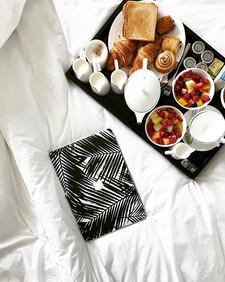Sunday breakfast #tbt 🥐🥖🧀🍞__onthebed