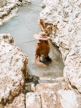 Israel's Paradise: Gan HaShlosha National Park. 5 Tips To Read Before Going
