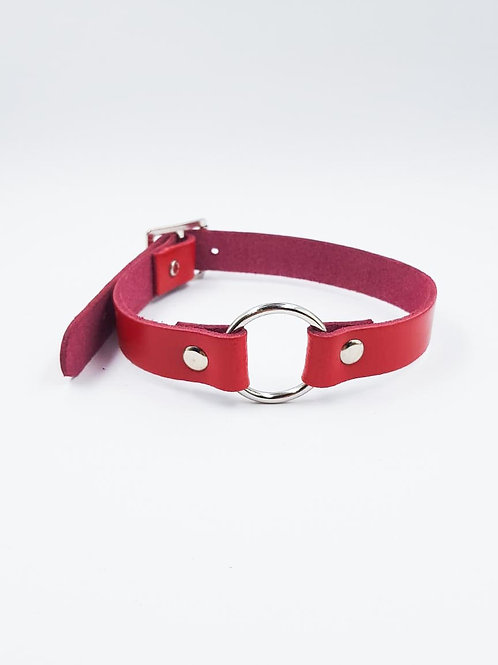 RED CHOKER WITH RING