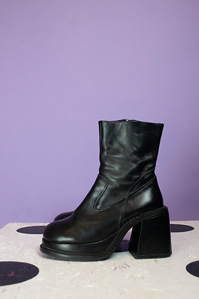 VINTAGE ZAPATO BOOTS